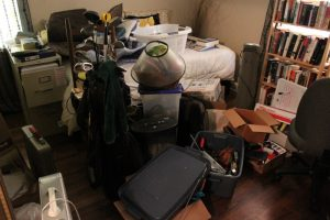 Declutter, declutter your home, holiday declutter, decluttering tips for the hoildays, christmas junk removal, junk removal, junk hauling, winter, winter declutter, keep your home clutter free, decluttering tips, minneapolis, st. paul, twin cities
